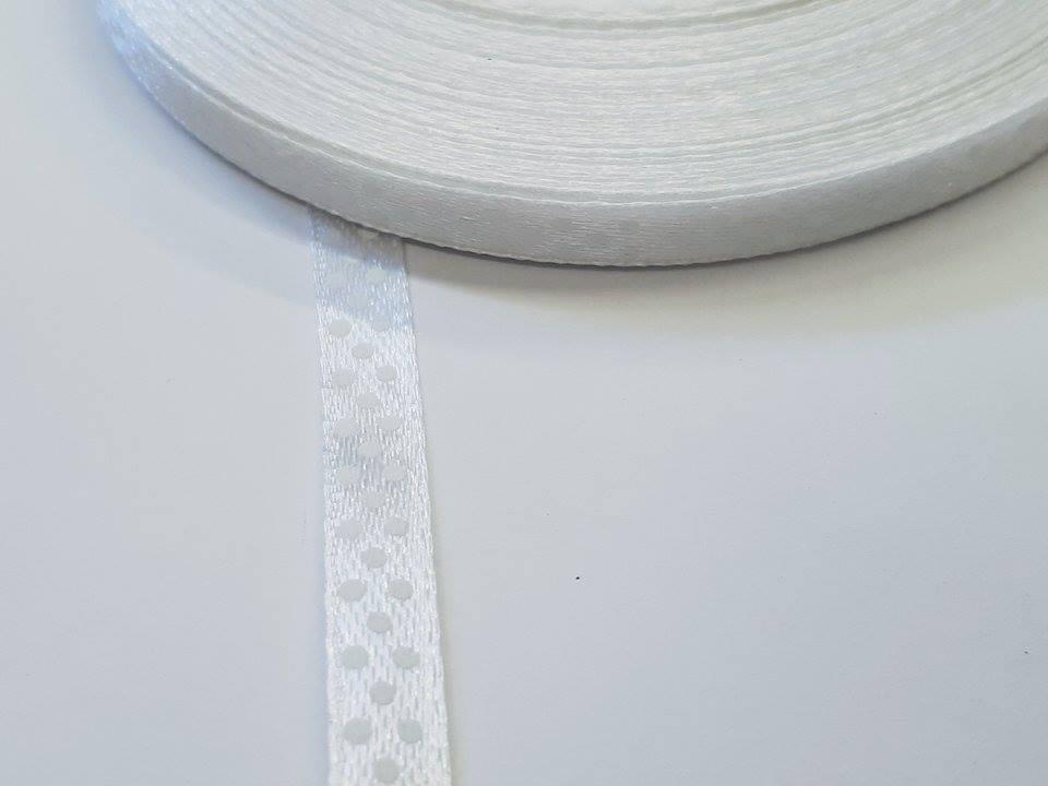 Szaténszalag pöttyös fehér 6mm x 22m - Create 2c2f47fe25