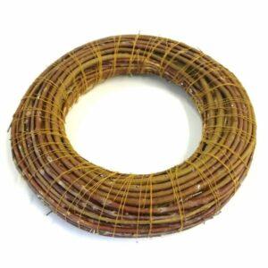 Koszorú szalma alapon vesszővel fonva 25 cm