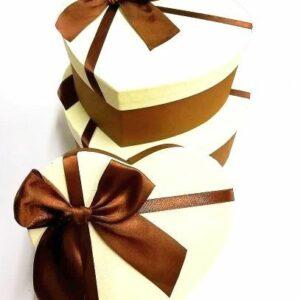 Szív alakú doboz szett barna masnival 3 db