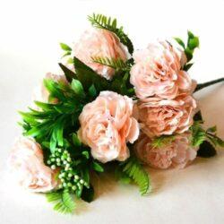 selyem-fodros-rozsa-csokor-feher-bogyokkal-barack-hobbykreativ