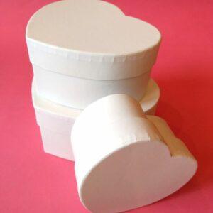 Szív alakú doboz szett fehér 3 db