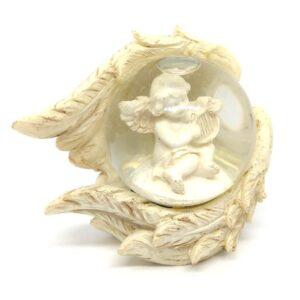 Hógömb angyalszárnyban hárfás angyalkával 7 cm