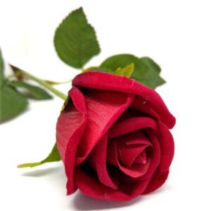 Élethű bársonyos selyem rózsa keskeny virágfejű piros 1 db