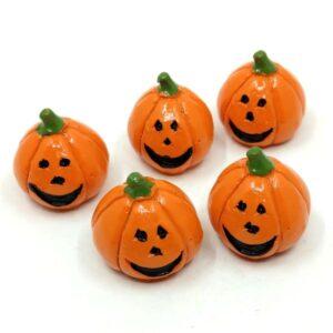 Mosolygós Halloween tök kerámia figurák 2,3 cm 5 db